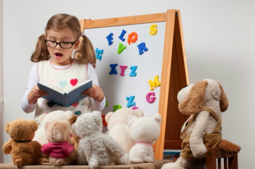 Box Hill Speech Pathology Clinic Speech Therapy Reading with Stuffed Animals