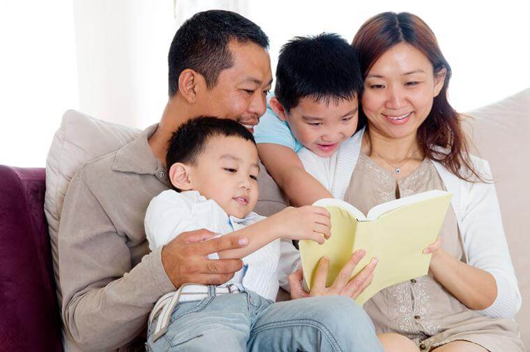 Box Hill Speech Pathology Clinic Spotlight Stuttering Family Reading Together